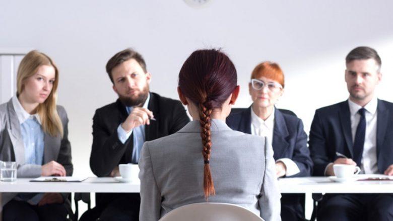 Katër këshilla se si ta prezantoni veten në një intervistë pune