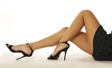 Dëshironi këmbë seksi dhe të pa rezistueshme? Ky është USHTRIMI IDEAL për këtë! (video)