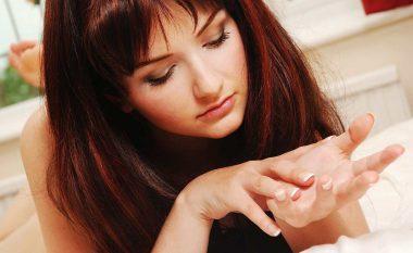 Mateni gishtin e unazës dhe gishtin tregues: Dhe mësoni se a do t'ju tradhtojë!