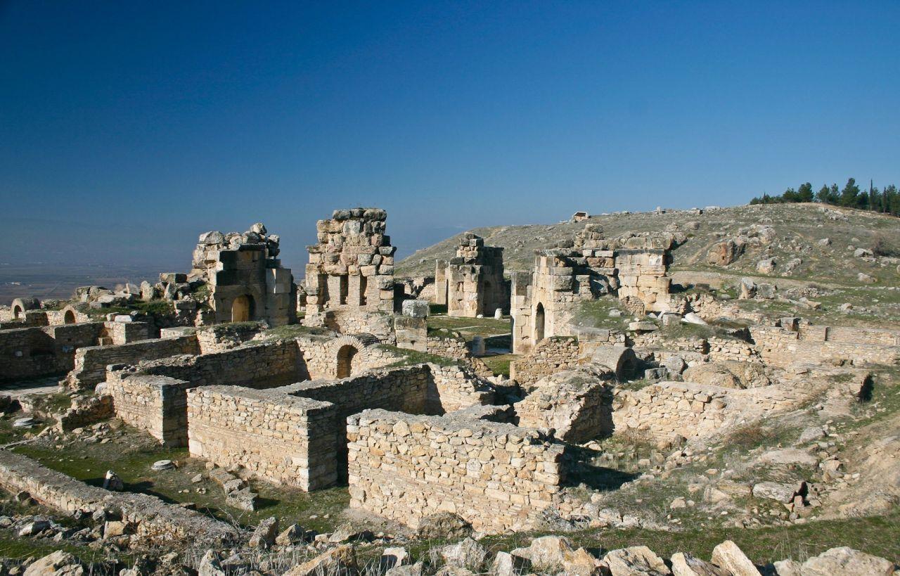 pamukkale-ancient-hierapolis_9992817901