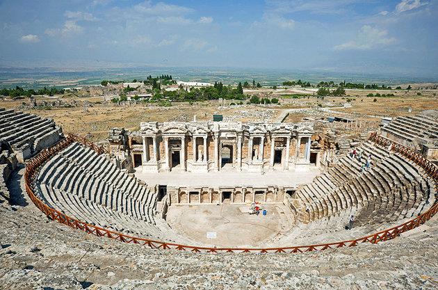 turkey-pamukkale-hierapolis-theatre