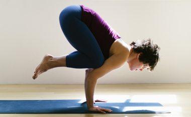Joga ushtrimi sorrë: Ushtrim për muskuj më të fortë të barkut
