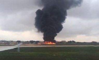 Rrëzohet aeroplani që transportonte zyrtarë të agjencisë kufitare të BE-së, të paktën pesë të vdekur