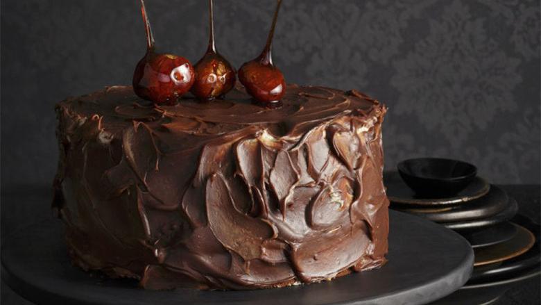 Tortë çokollate nga gështenjat pa miell dhe sheqer