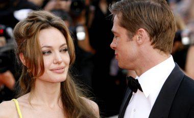 Ndasitë politike, një arsye më shumë për ndarjen e Jolie dhe Pitt
