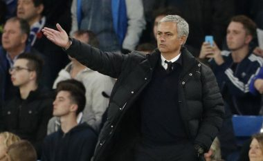 Xavi beson te suksesi i Mout, por vetëm në rast se Unitedi ia plotëson këtë gjë