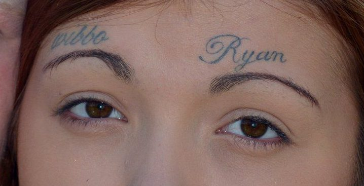 i-dashuri-xheloz-e-bindi-partneren-qe-te-beje-tatuazh-ne-balle-emrin-e-tij-foto-3