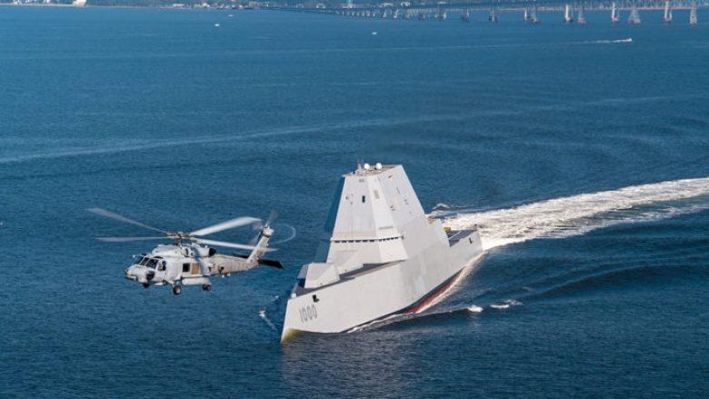 """""""Përbindëshi"""" i deteve: Njihuni me anijen luftarake më të fuqishme në histori (Foto/Video)"""