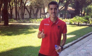 Agim Zeka, djaloshi nga Prishtina që po çmend të gjithë me golat e tij me fanellën kuqezi (Video)