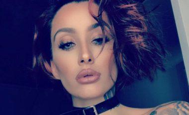 Aktorja shqiptare e filmave për të rritur vjen sensuale me bikini (Foto)