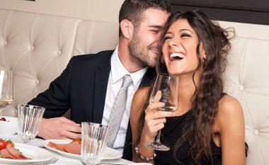 Studim: Sa duhet ta keni rrogën për t'u dukur tërheqës dhe seksi?