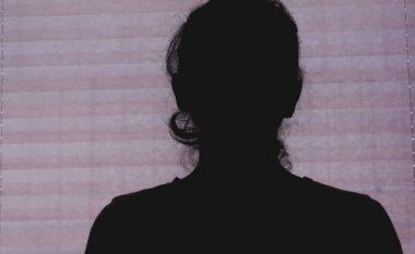 Skandali seksual: Kjo është dëshmia e shqiptares që demaskoi gjyqtarin (Video)