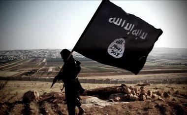 """Djali i komandant """"Lleshit"""", xhihadist në Siri (Video)"""