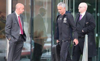 Mourinho nuk zhvendoset në Manchester: A po përgatitet të largohet prej Unitedit! (Foto)