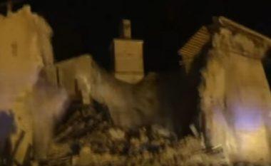 Shihni se si tërmeti shkatërroi kishën, për vetëm disa sekonda (Video)
