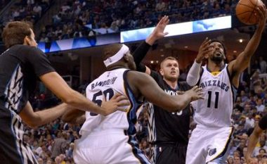 Memphis Grizzlies e fillon kampionatin e ri me fitore (Video)