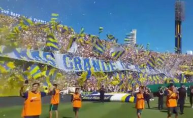 Tifozët argjentinas krijojnë një atmosferë të paparë deri më tani (Foto/Video)
