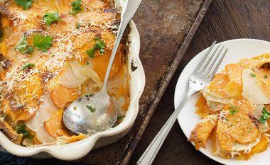 Gjellë e zakonshme nga patatet: musaka e zbrazët me parmezan (Video)