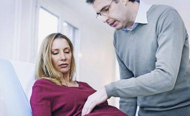 Dy simptomat e kancerit të vezoreve që nuk duhet t'i injoroni kurrsesi