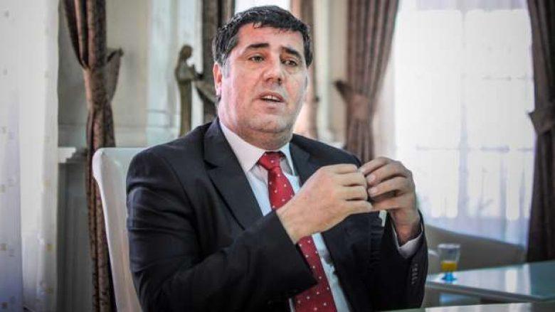 Gjykata e Gjilanit pushon hetimet ndaj Lutfi Hazirit, hedhë poshtë aktakuzën e Prokurorisë Speciale