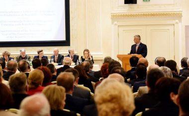 Thaçi: Duke mbrojtur Kushtetutën, mbrojmë Republikën