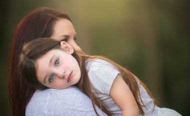 """Pse tezja mund të quhet """"gjysmë nënë""""?"""