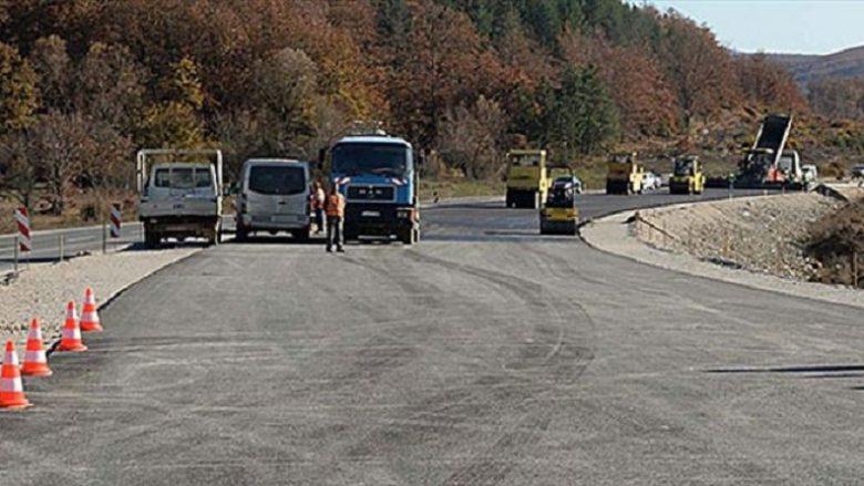 Sërish bllokadë në rrugën Mavrovë-Dibër