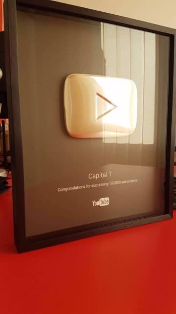 """Mirënjohje e certifikuar nga kanali """"YouTube"""" për reperin Capital T."""