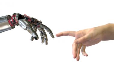 Sipërmarrësi vizionar, Elon Musk: Robotët do të na lënë pa punë, por shteti do të detyrohet të japë rroga!
