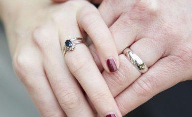 Pse unaza e martesës vihet në gishtin e tretë