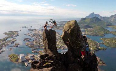 Jeta, në fije të perit: Kërcimi i frikshëm – nga njëri shkëmb te tjetri, në lartësinë e 365 metrave! (Video)