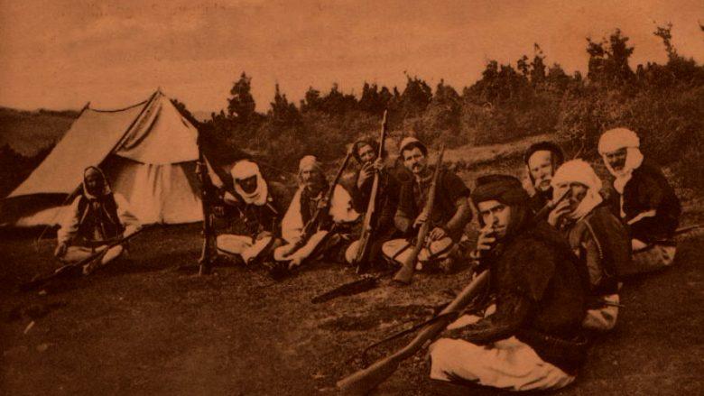 Viti 1913: Në male shkatërruan turqit, në fusha malazezët, besimtarët myslimanë faleshin në Kishë para Shën Gjonit, shqiptarët ishin një e me këngë bëheshin gati për luftë...
