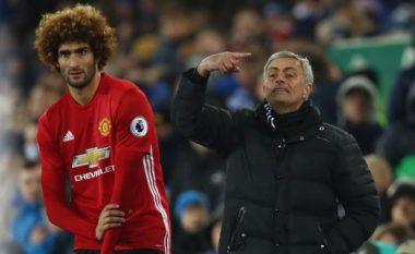 Mourinho dhe tifozët e Unitedit sulmojnë Fellainin (Foto)