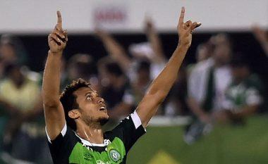 Futbollisti i Chapecoense i mbijetoi katër ndërhyrjeve kirurgjike, dhe kur u zgjua mori një lajm të mirë (Foto/Video, +16)