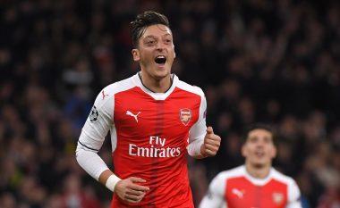 Goli i bukur i Ozilit kalon Arsenalin në epërsi (Video)