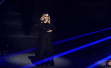 Publiku kthen sërish në skenë Rozana Radin, interpretimi i saj mahnit të pranishmit në sallë (Video)