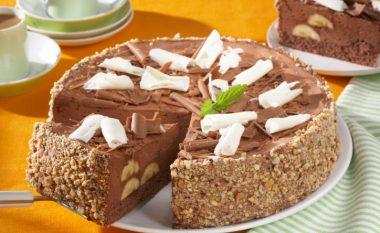 ËMBËLSIRA IDEALE: Gatuani tortën e shijshme nga bananet dhe biskotat! Shumë e lehtë!
