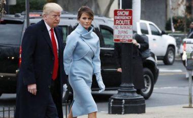 Melania Trump befason me veshjen e saj në inaugurimin e Donald Trumpit (Foto)