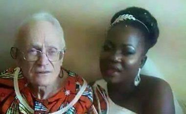 """""""Dashuri"""" me 92-vjeçarin, por rrjeti shpërthen ndaj së resë"""