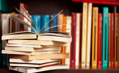 Katërvjeçarja ka lexuar mbi njëmijë libra (Foto)