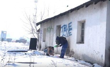 Afganët e mbetur rrugëve të Beogradit (Video)