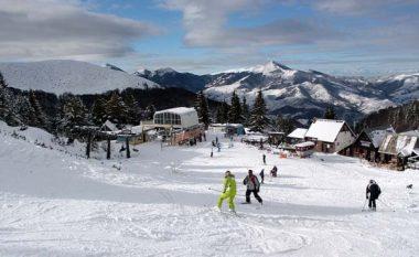 Ra në humnerë derisa po skijonte, vdes një i ri në Brezovicë
