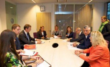 """Serbia insiston në vendosjen e """"linjës së nxehtë"""" me Kosovën"""