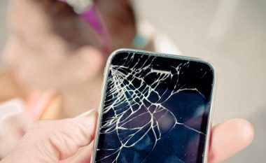 Ja përse nuk bën ta përdorni telefonin nëse ju ka thyer ekrani
