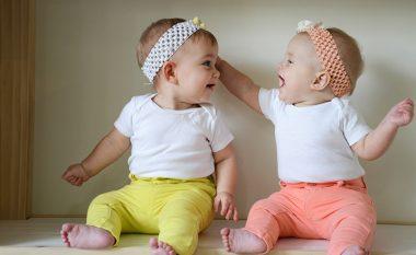 Shenjat e shtatzënisë që tregojnë se do të bëheni me binjakë