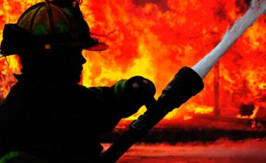 Zjarr në ndërtesën e Ministrisë së Mbrojtjes dhe Shtatmadhorisë së ARM-së