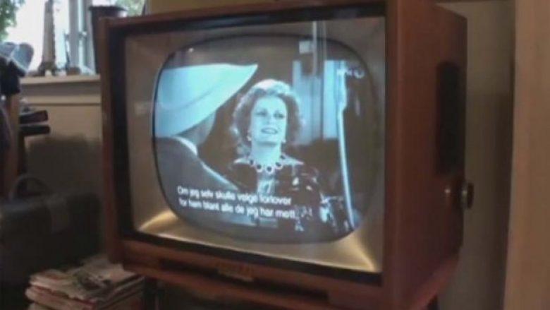 Deshën të shkatërrojnë televizorin e vjetër, brenda të cilit fshiheshin 72 mijë dollarë