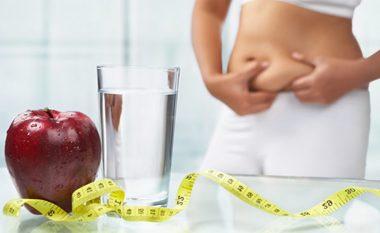 Dieta magjike me ujë, gjysmë kilogrami më pak në ditë