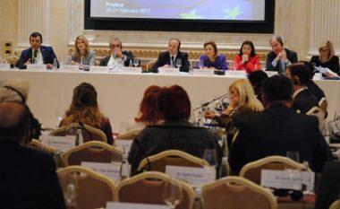 Dita e dytë e Samitit- diskutohet për luftën kundër terrorizmit dhe radikalizmit