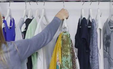 Ka marrë varësen e rrobave dhe një gjë të cilën zakonisht e hidhni poshtë dhe ka krijuar diçka që të gjithëve na nevojitet në dhomën e gjumit (Video)